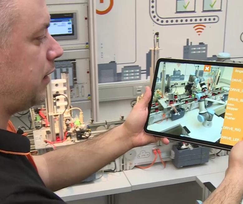 IMS Factory App: Die Fabrik in Augmented Reality steuern