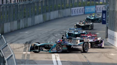 Unter Hochstrom in der Formel-E: Sicheres Renngeschehen dank Lucas-Nülle