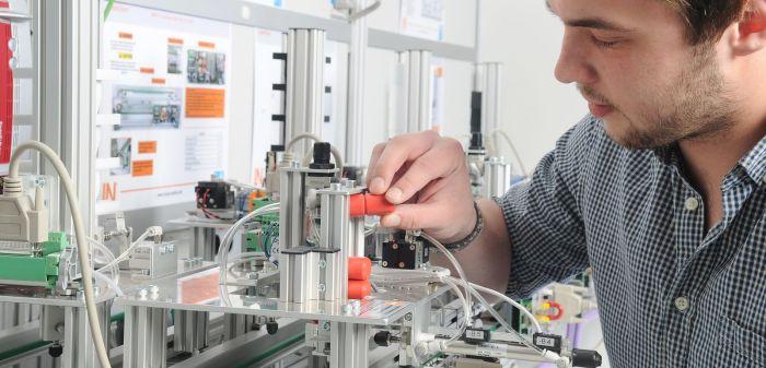 Auszubildende gesucht: Elektroniker(in) für Automatisierungstechnik